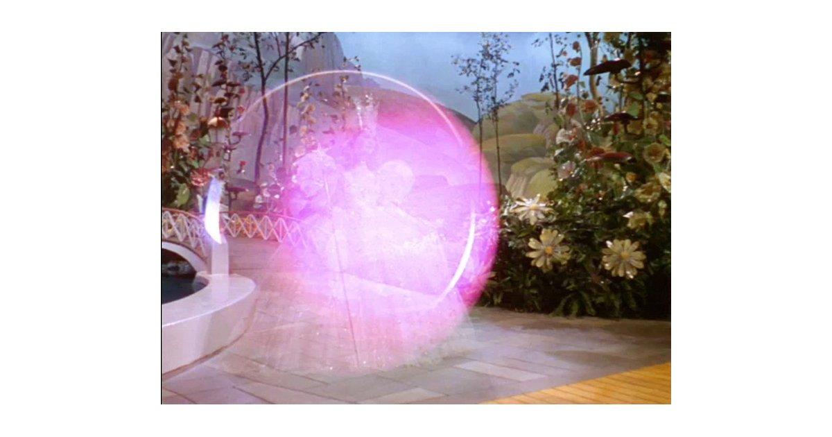 Glinda-Bubble-Wizard-Oz